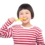 歯のホワイトニングは自宅でもできる!炭の歯磨き粉でハミガキ